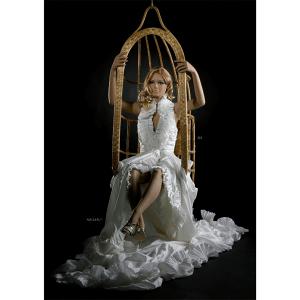 alanis maniquí mujer esculpido sentado