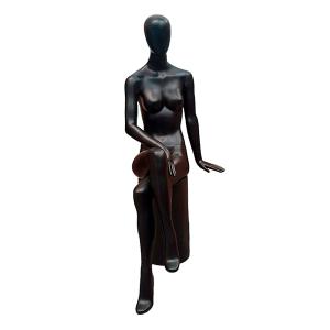 electra maniqui mujer sentado abstracto